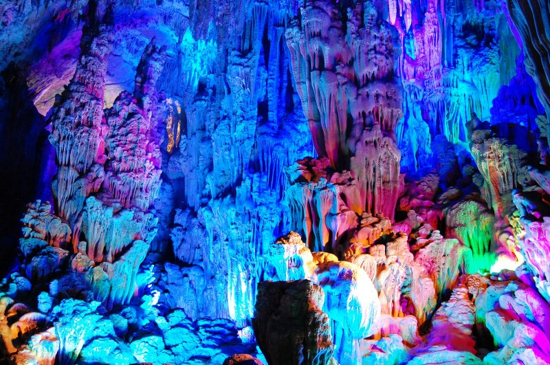 Reed_Flute_Cave_China_04